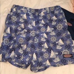 Vineyard Vines men's chappy swim trunks!